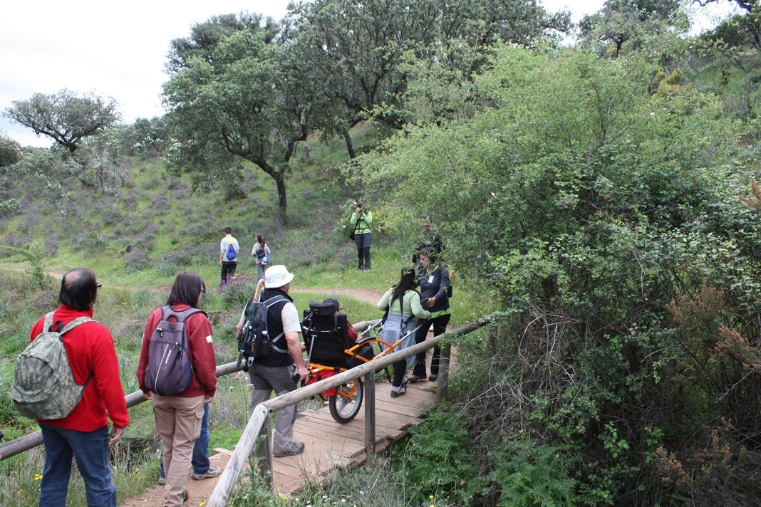 Fundación Global Nature organiza rutas accesibles por Monfragüe con motivo de la FIO