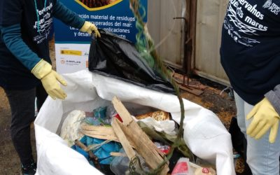 El proyecto RepescaPlas recupera tres toneladas de basuras marinas en Gandía, Marín y Vigo