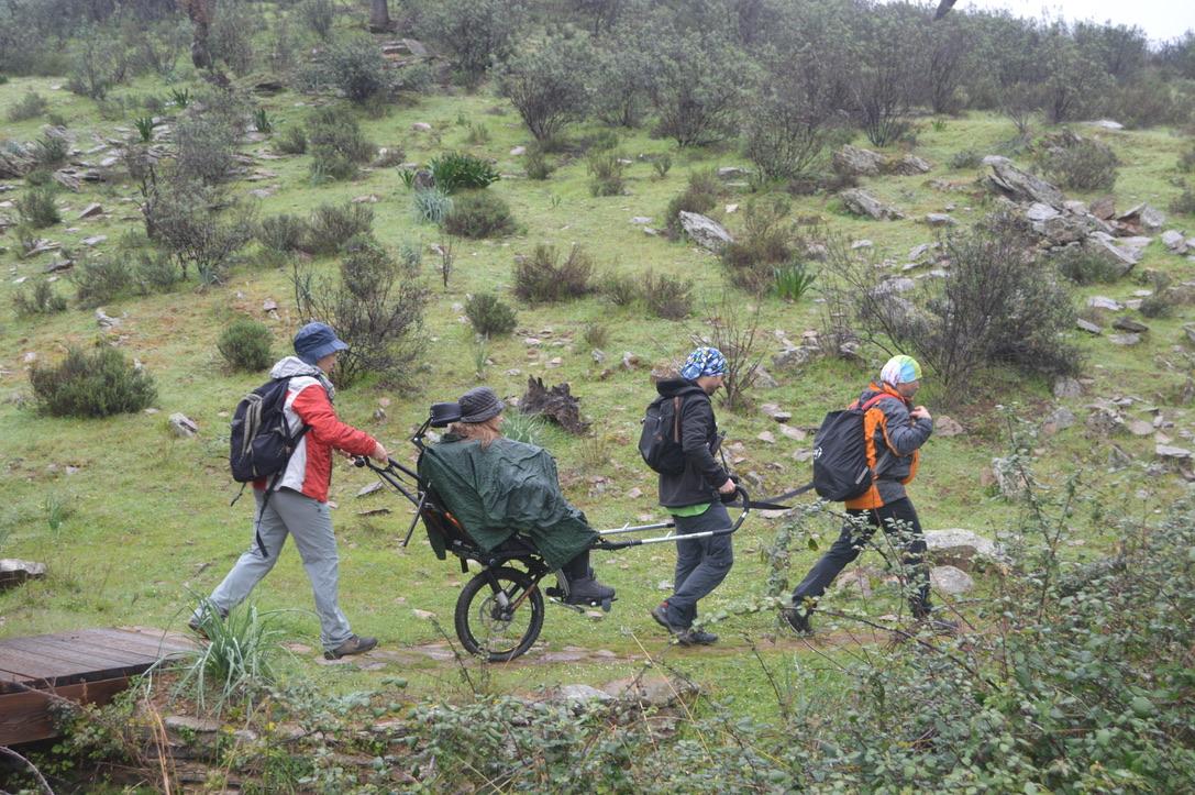 Fundación Global Nature lleva su silla joëlette para hacer accesible la naturaleza a la FIO 2020
