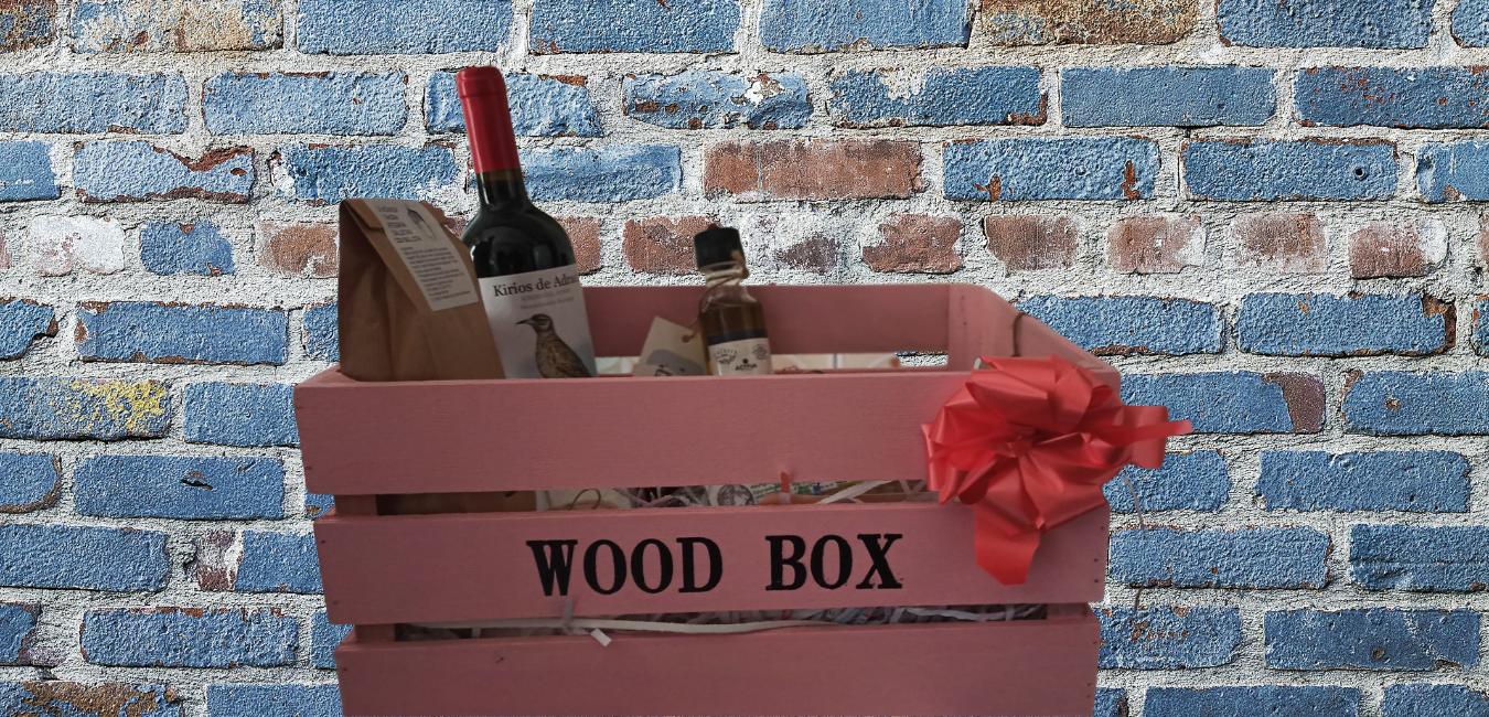 Esta Navidad, la cesta y la mesa llena de productos ecológicos de la tierra